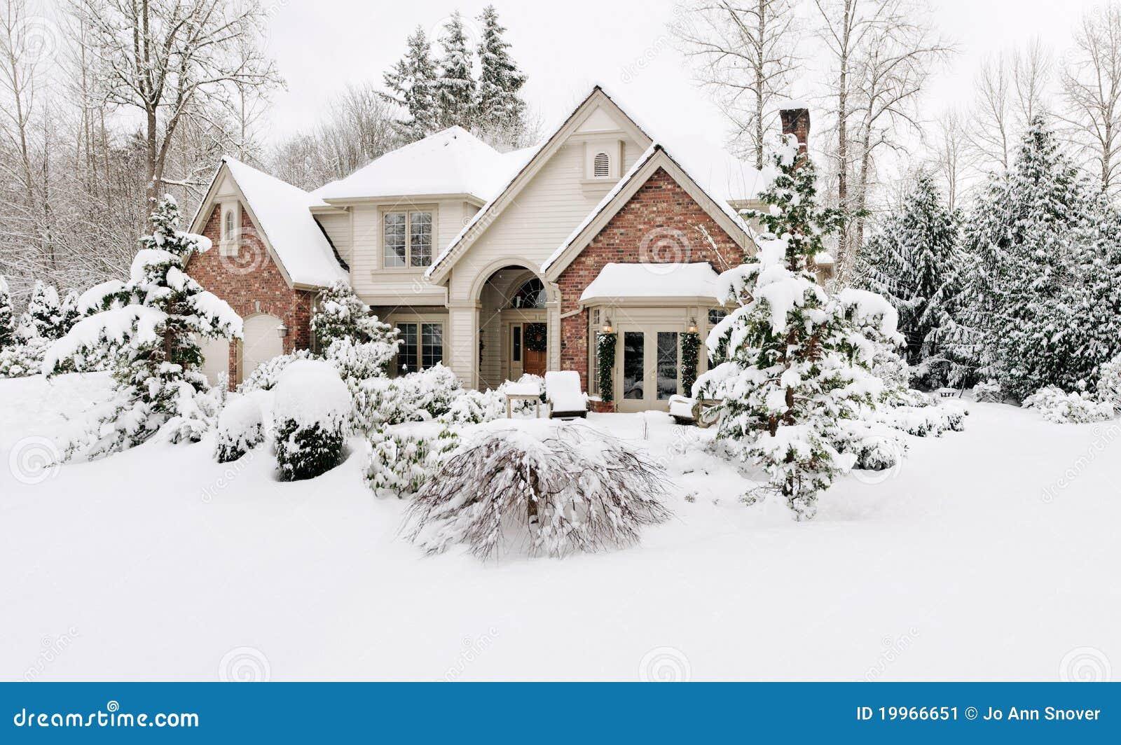 Maison en neige de l hiver