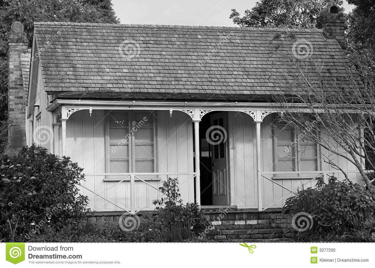 maison en noir et blanc photo stock image 3277290