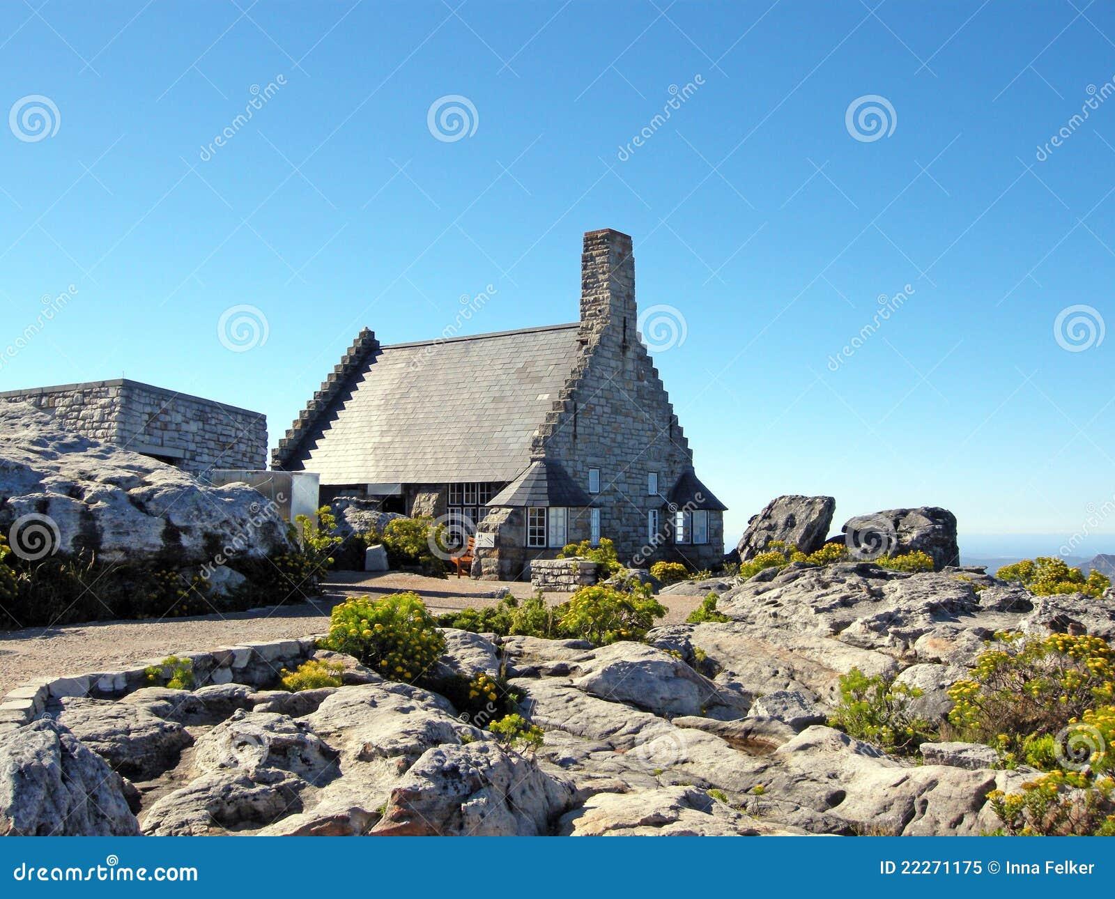 maison en pierre sur la montagne de tableau afrique du sud image stock image du capetown. Black Bedroom Furniture Sets. Home Design Ideas