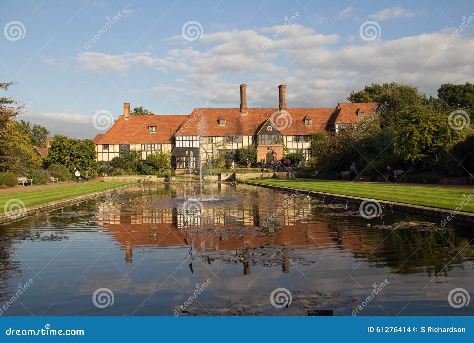 Maison encadrée de Tudor