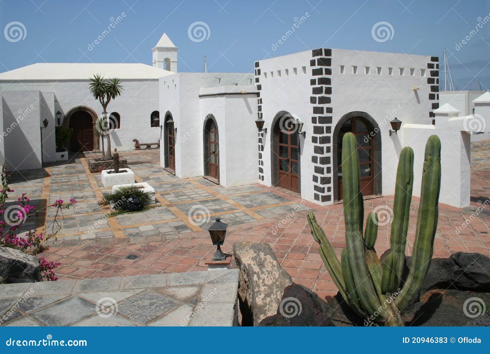 Maison espagnole de type illustration stock illustration du centrales 20946383 - Maison modulaire espagnole ...