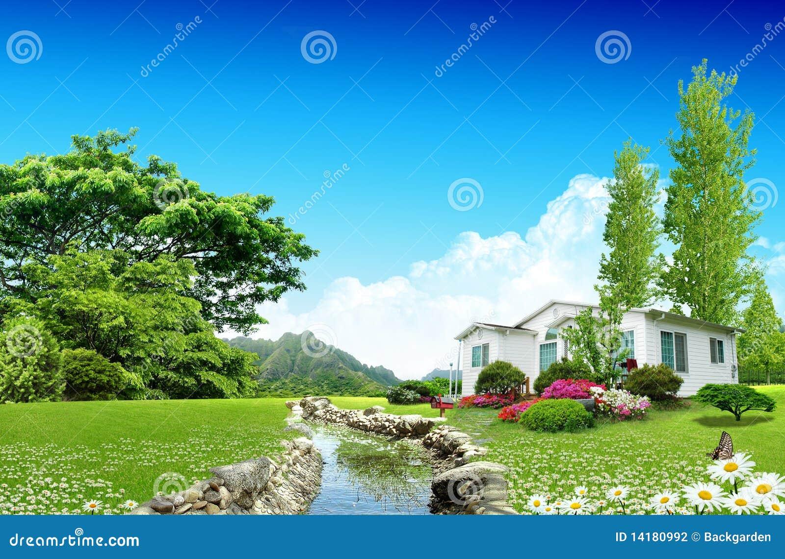 Maison gentille sur la zone verte photographie stock for Agrandissement maison zone verte
