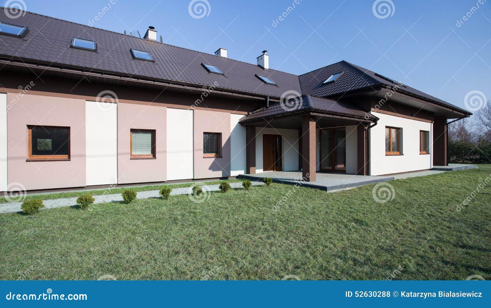 Maison isol e vue de l 39 ext rieur photo stock image for Exterieur stock