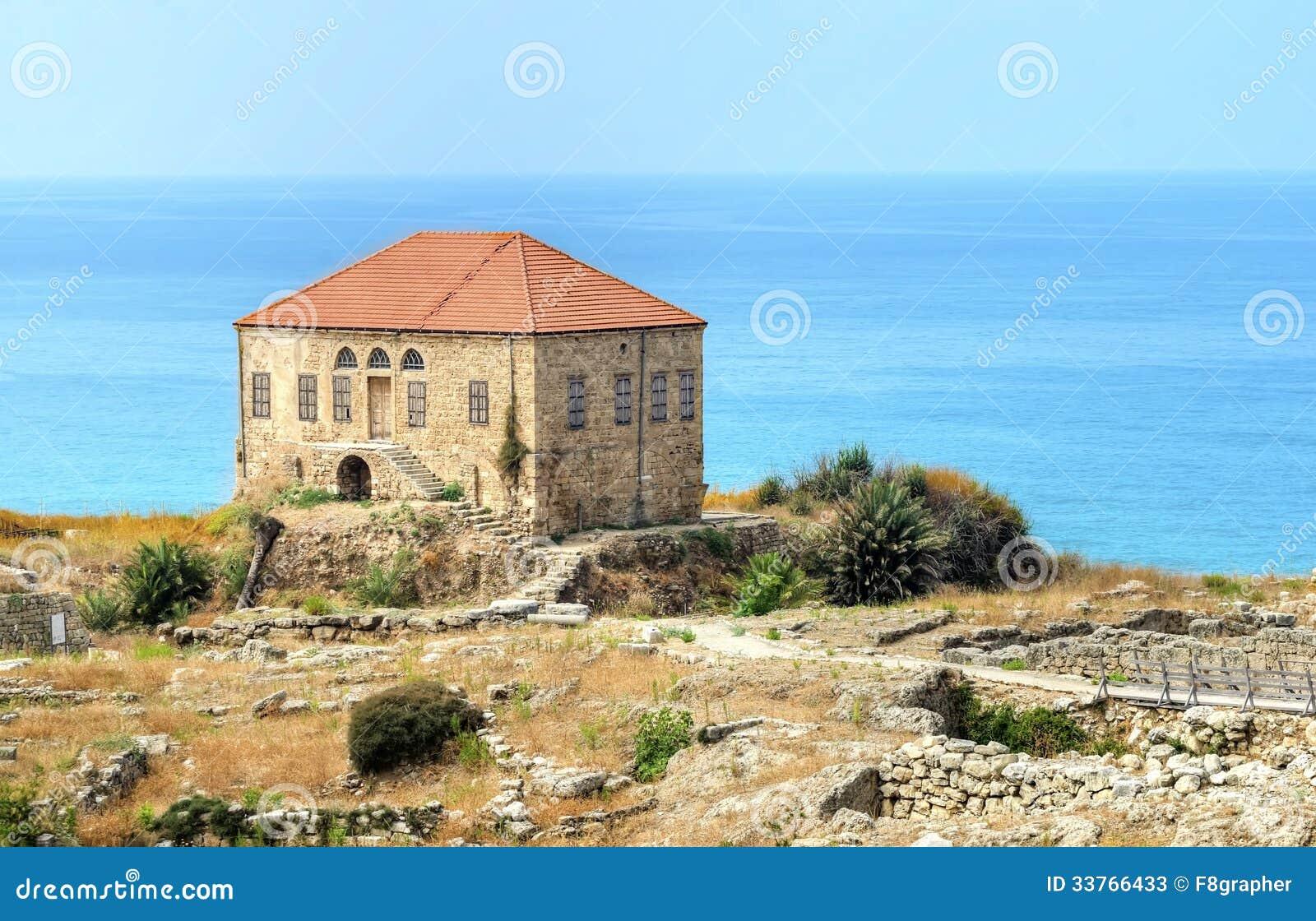 Maison libanaise traditionnelle byblos photos stock for Maison prefabriquee liban