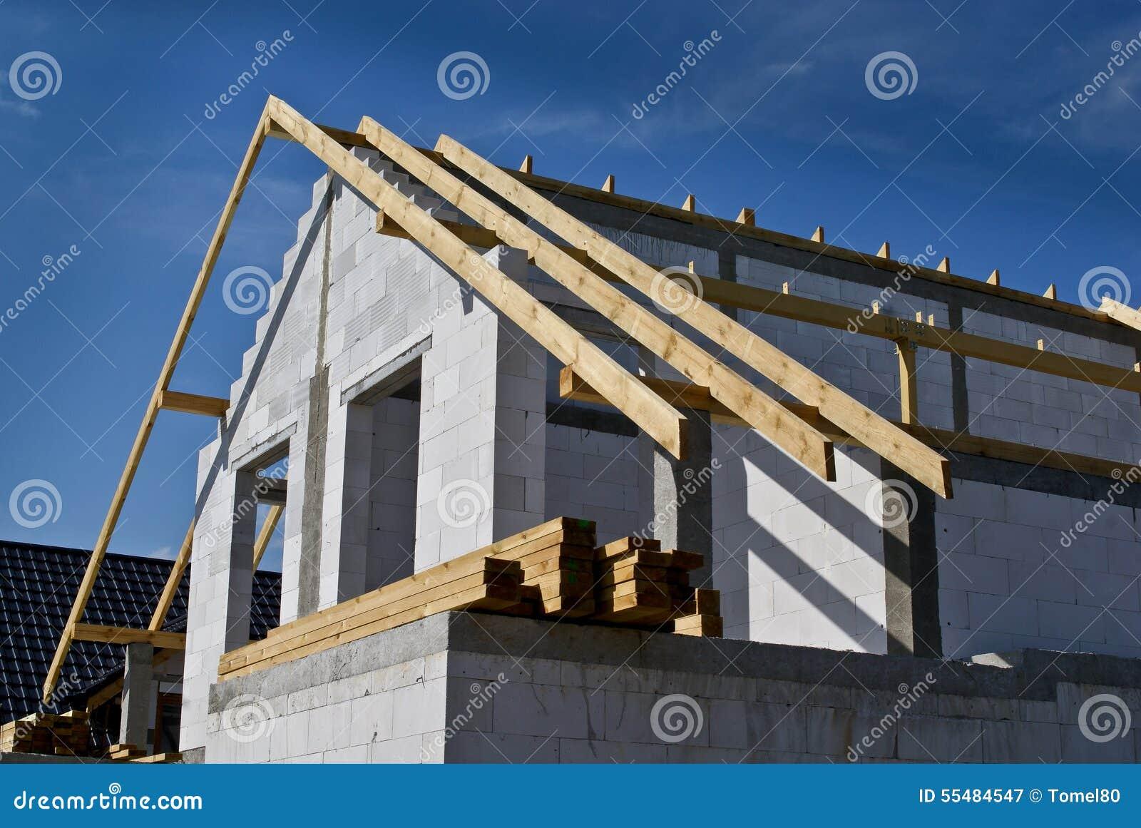 Construction Maison Mitoyenne maison mitoyenne de construction Étape de construction image stock