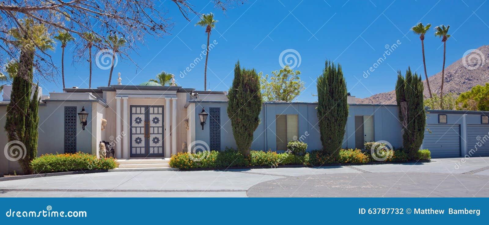 Maison moderne de la moitié du siècle