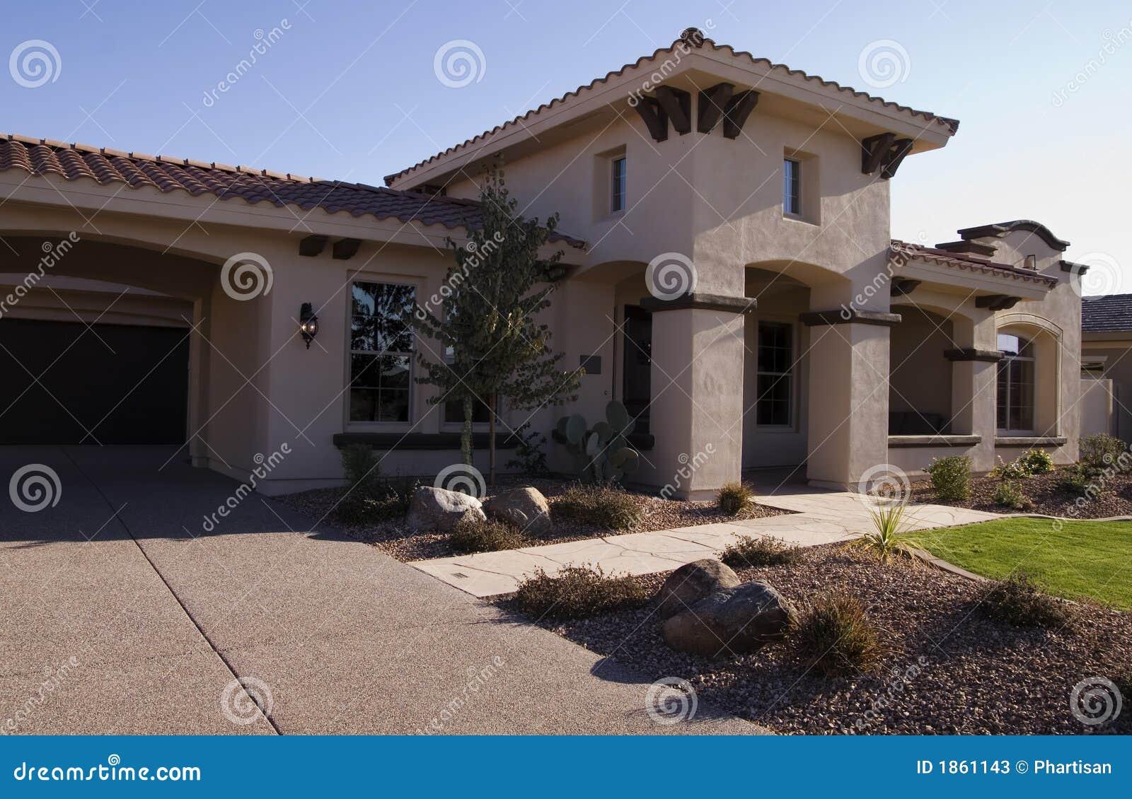 maison moderne de luxe image stock image du luxe bleu. Black Bedroom Furniture Sets. Home Design Ideas