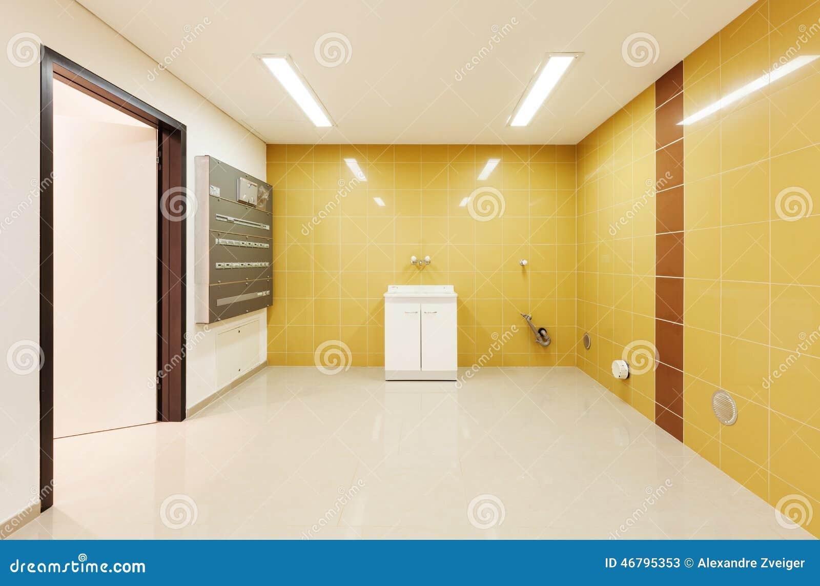Maison moderne intérieure, blanchisserie
