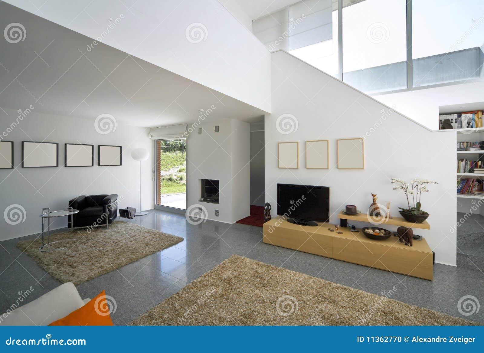 Maison moderne int rieure de brique photo stock image for Decoradores de casas interiores