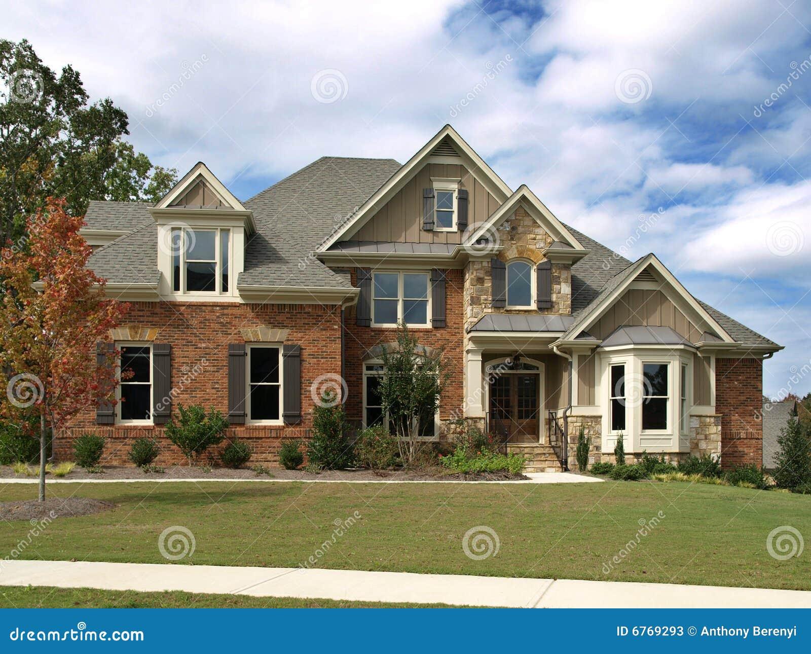 Maison mod le de luxe idyllique photos stock image 6769293 for Modele de maison de luxe