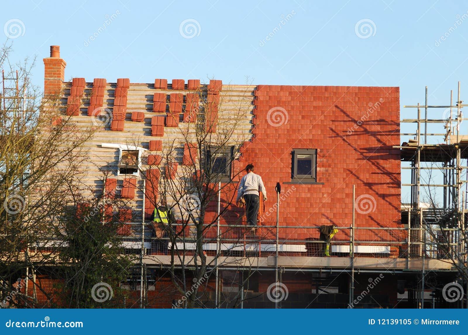 Maison neuve de construction toit neuf photo libre de for Construction maison neuf