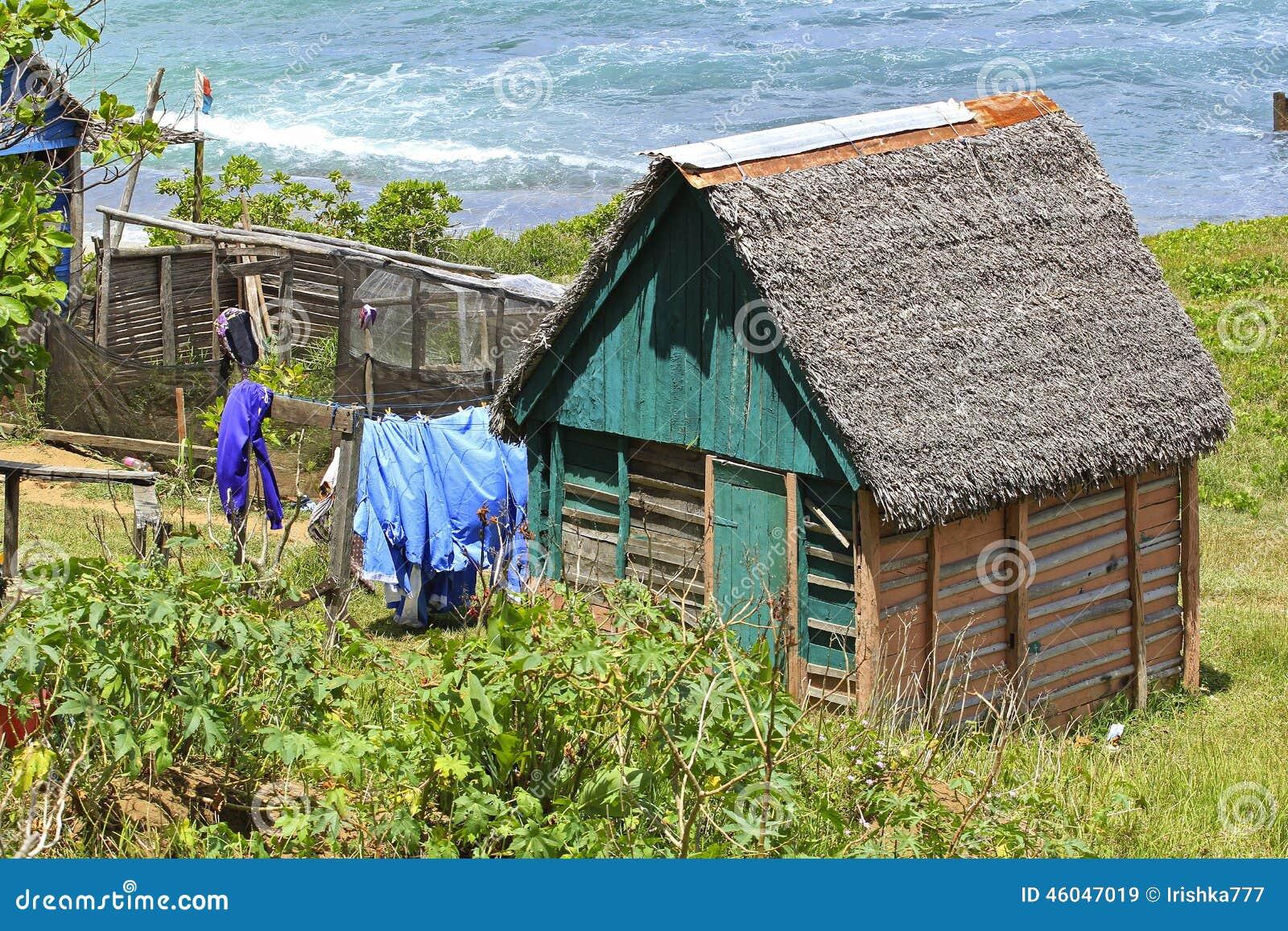 Maison pauvre au madagascar afrique photo stock image for Achat maison madagascar