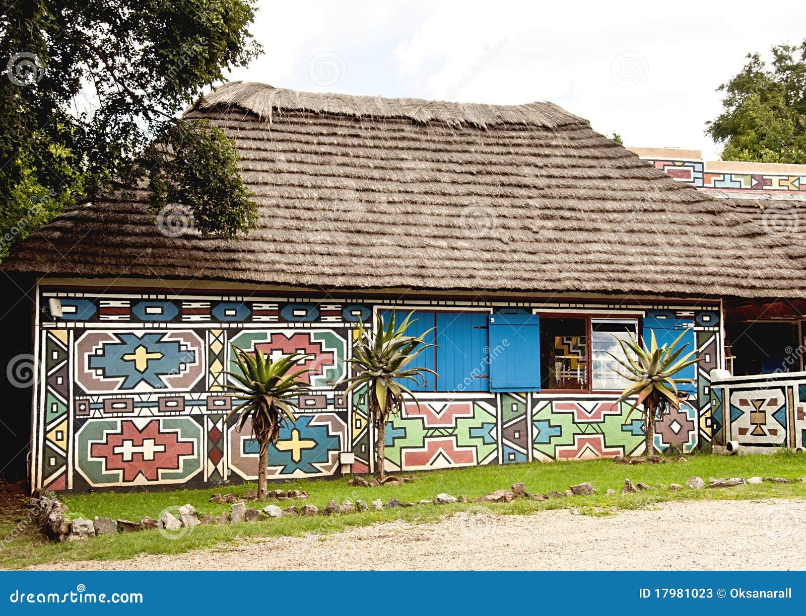Maison peinte sud africaine traditionnelle photos stock for Plan de maison africaine