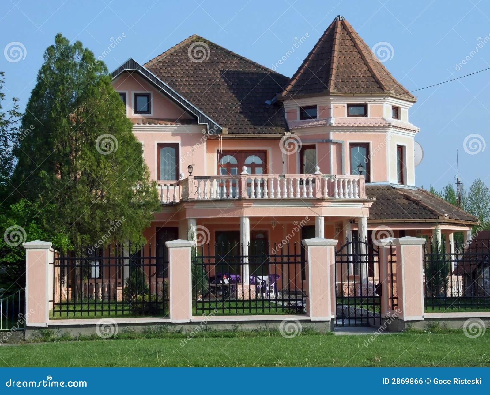 Maison rose image libre de droits image 2869866 for La maison rose lourmarin