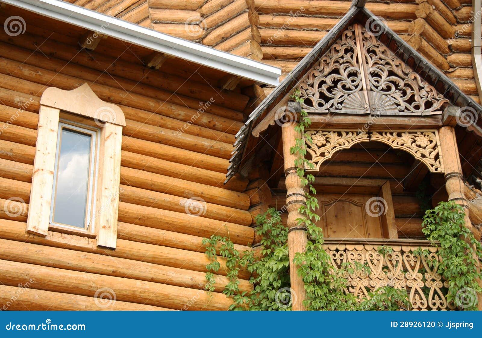 maison russe en bois traditionnelle photo stock image du construction ext rieur 28926120. Black Bedroom Furniture Sets. Home Design Ideas