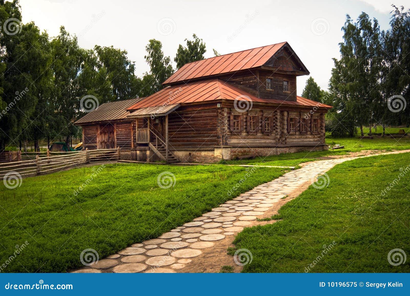 maison russe traditionnelle photo libre de droits image 10196575. Black Bedroom Furniture Sets. Home Design Ideas