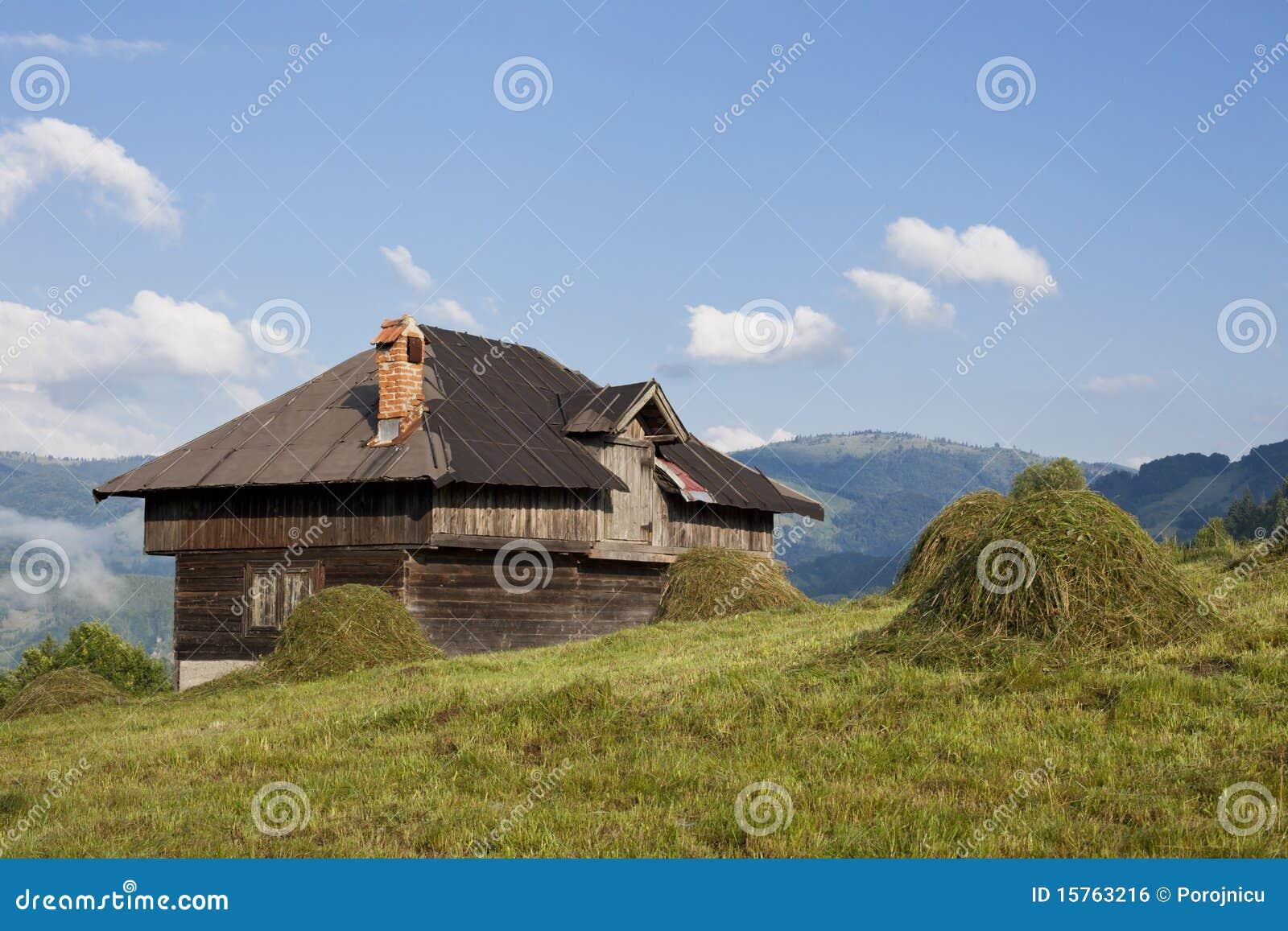 Maison rustique photo stock image du p turage ciel for Maison rustique