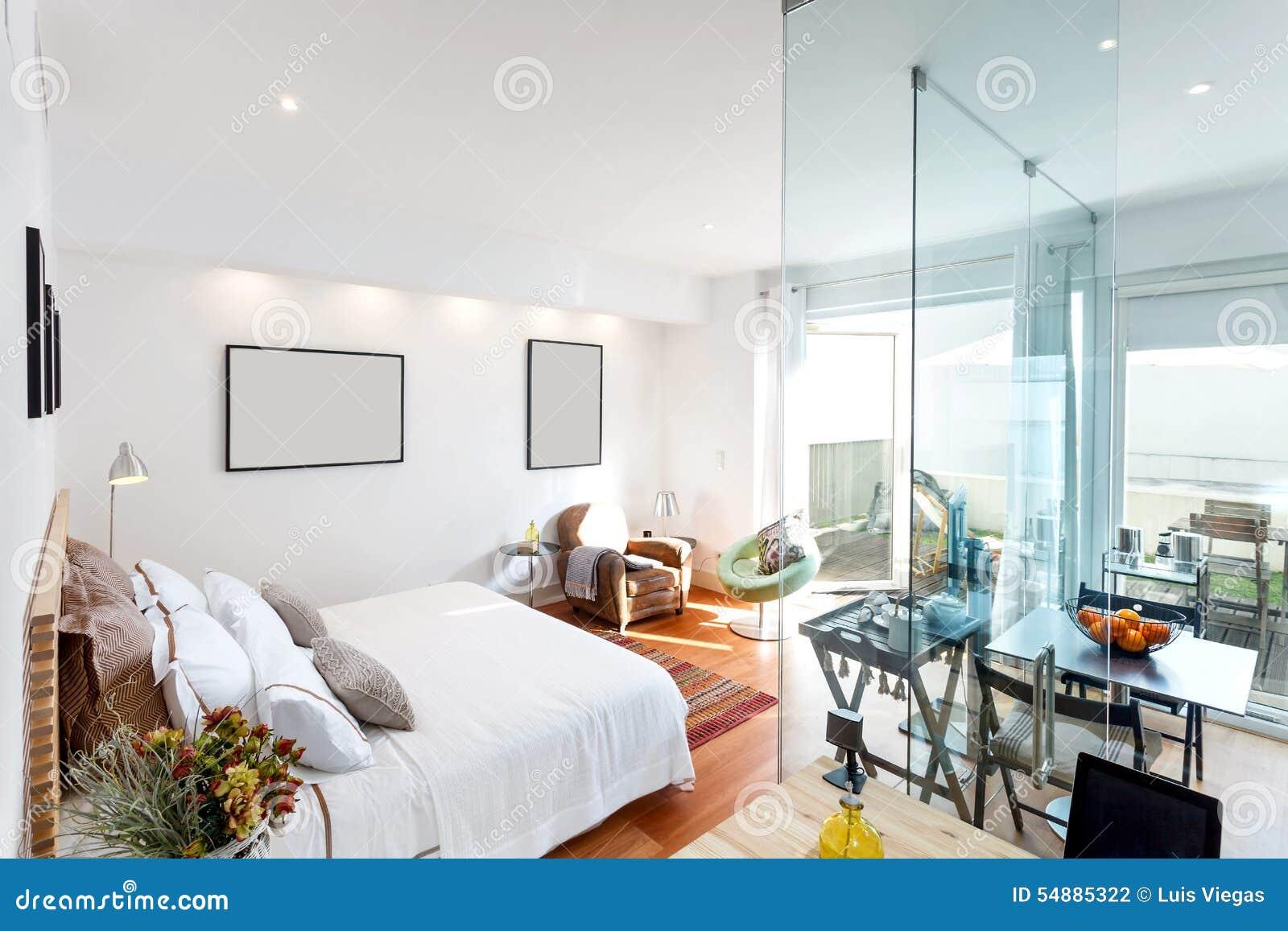 Maison Simple Moderne De Chambre à Coucher Photo stock - Image du ...