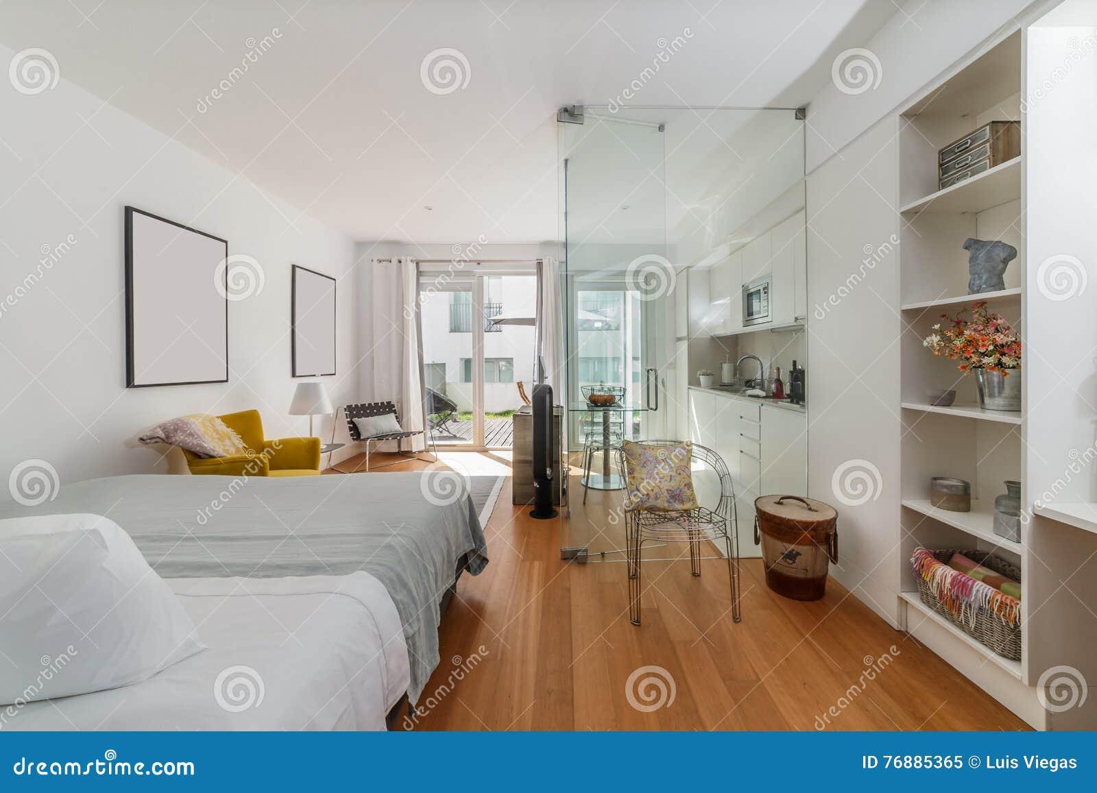 Maison Simple Moderne De Chambre à Coucher Image stock - Image du ...