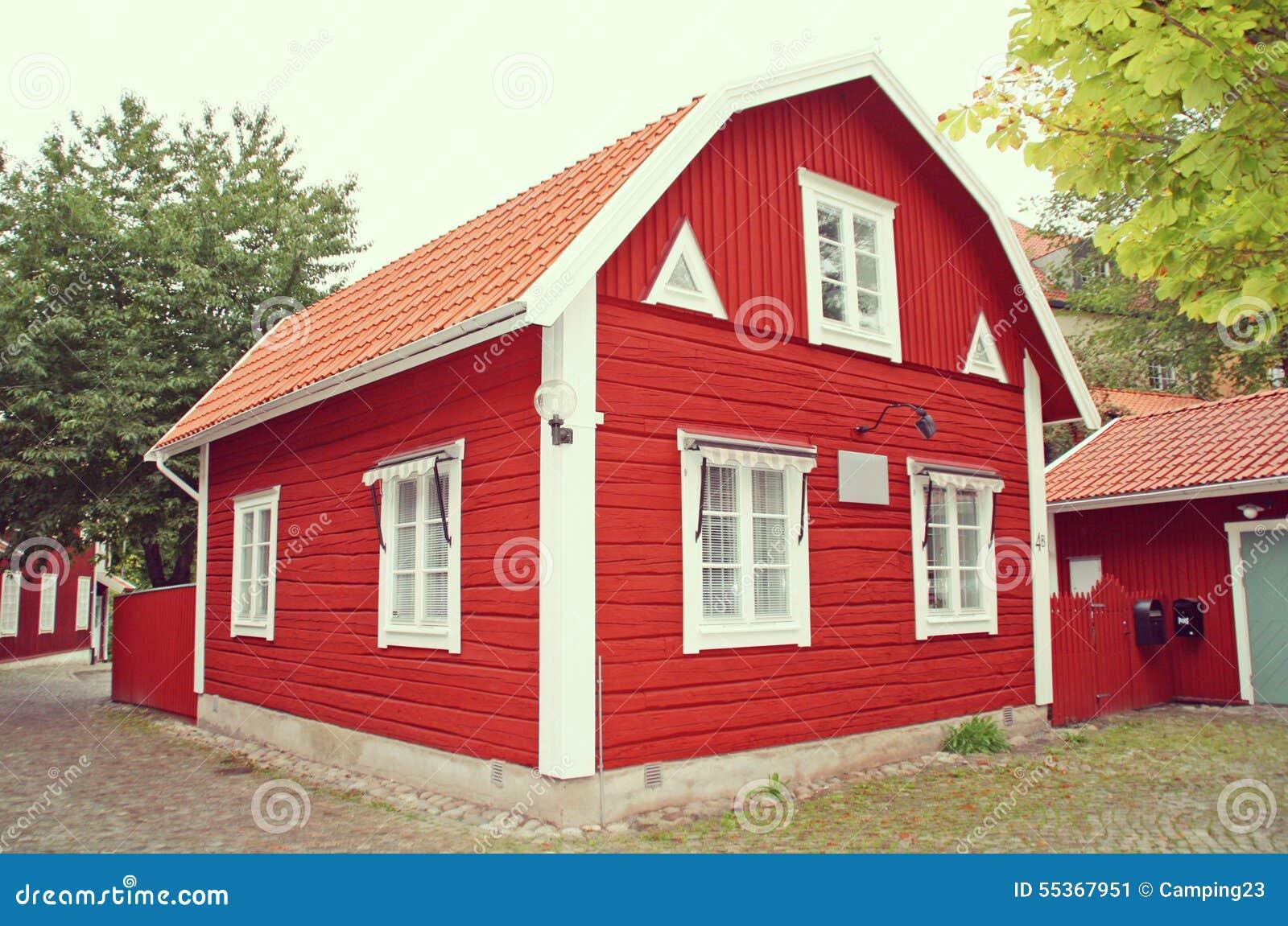 maison suedoise rouge