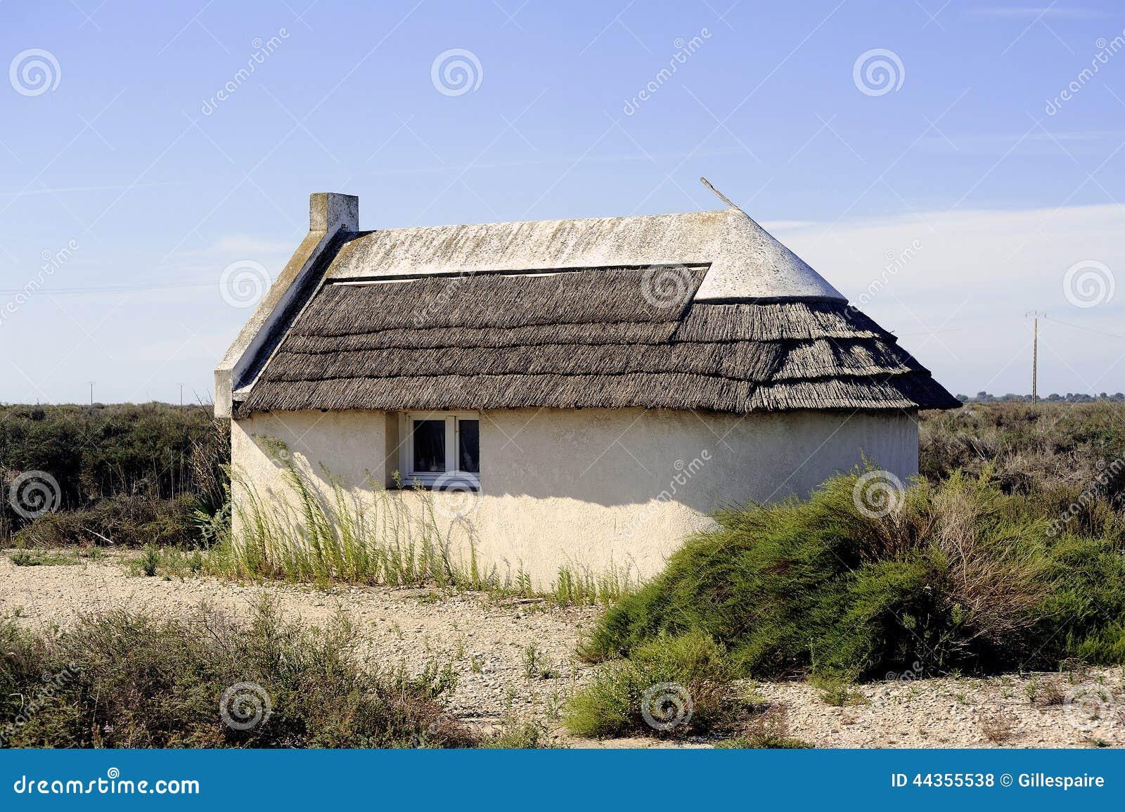 Maison traditionnelle de camargue photo stock image for Maison de camargue