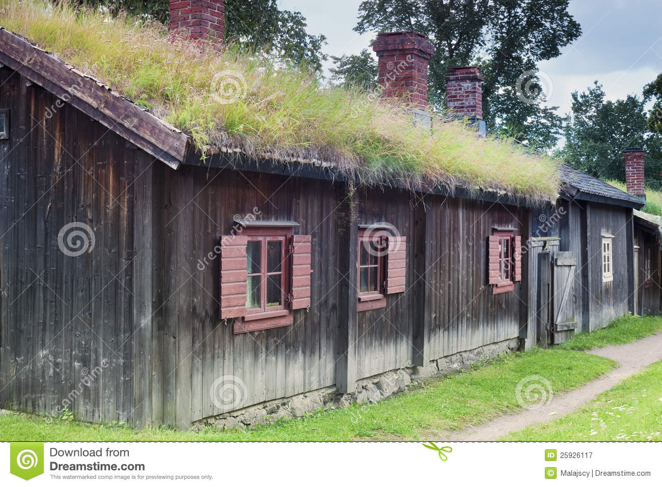 maison traditionnelle scandinave image stock image 25926117