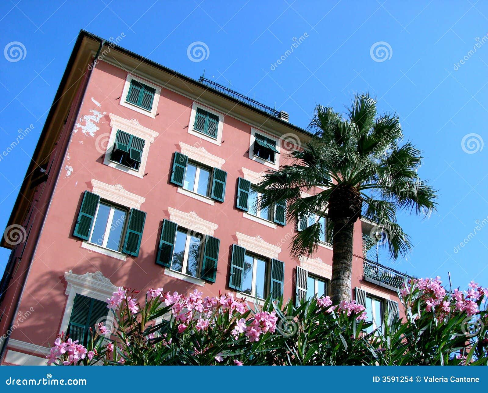 Maison type italienne de la riviera images stock image for Riviera de maison