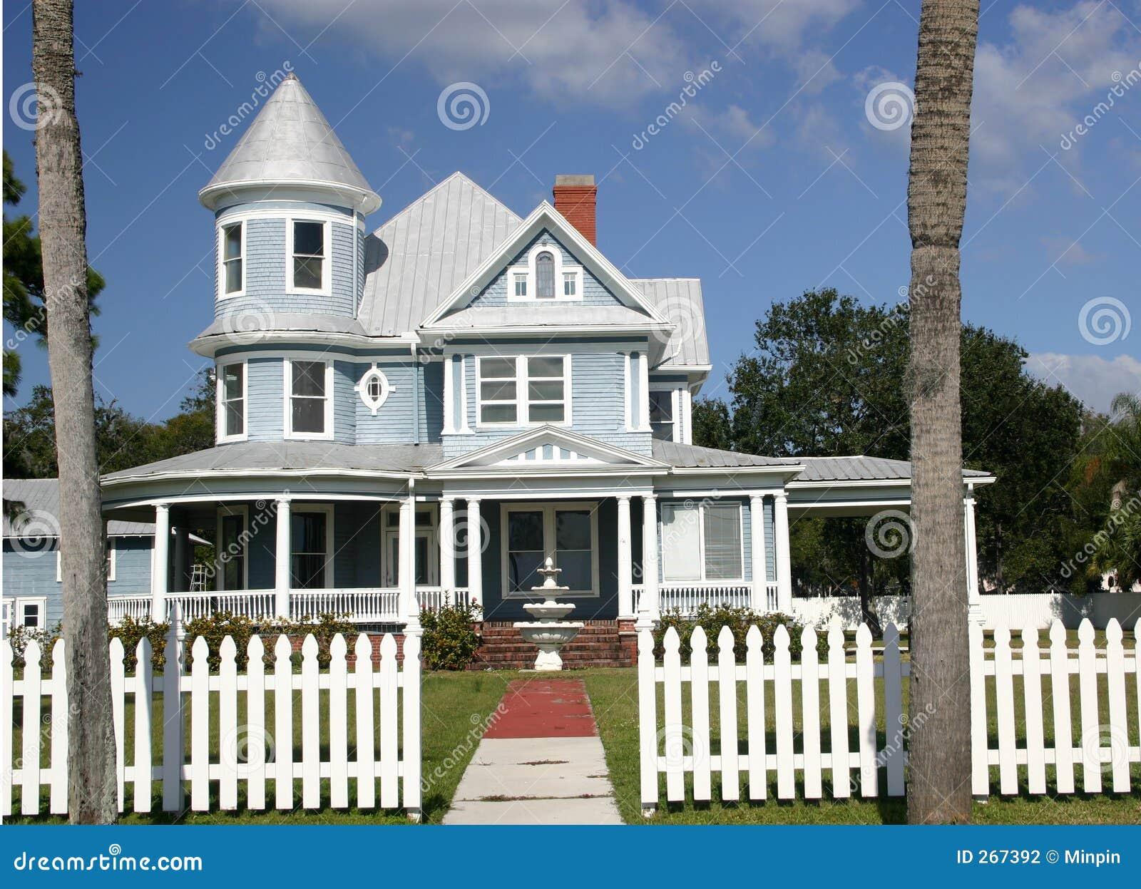 Maison victorienne photographie stock image 267392 - La maison victorienne ...