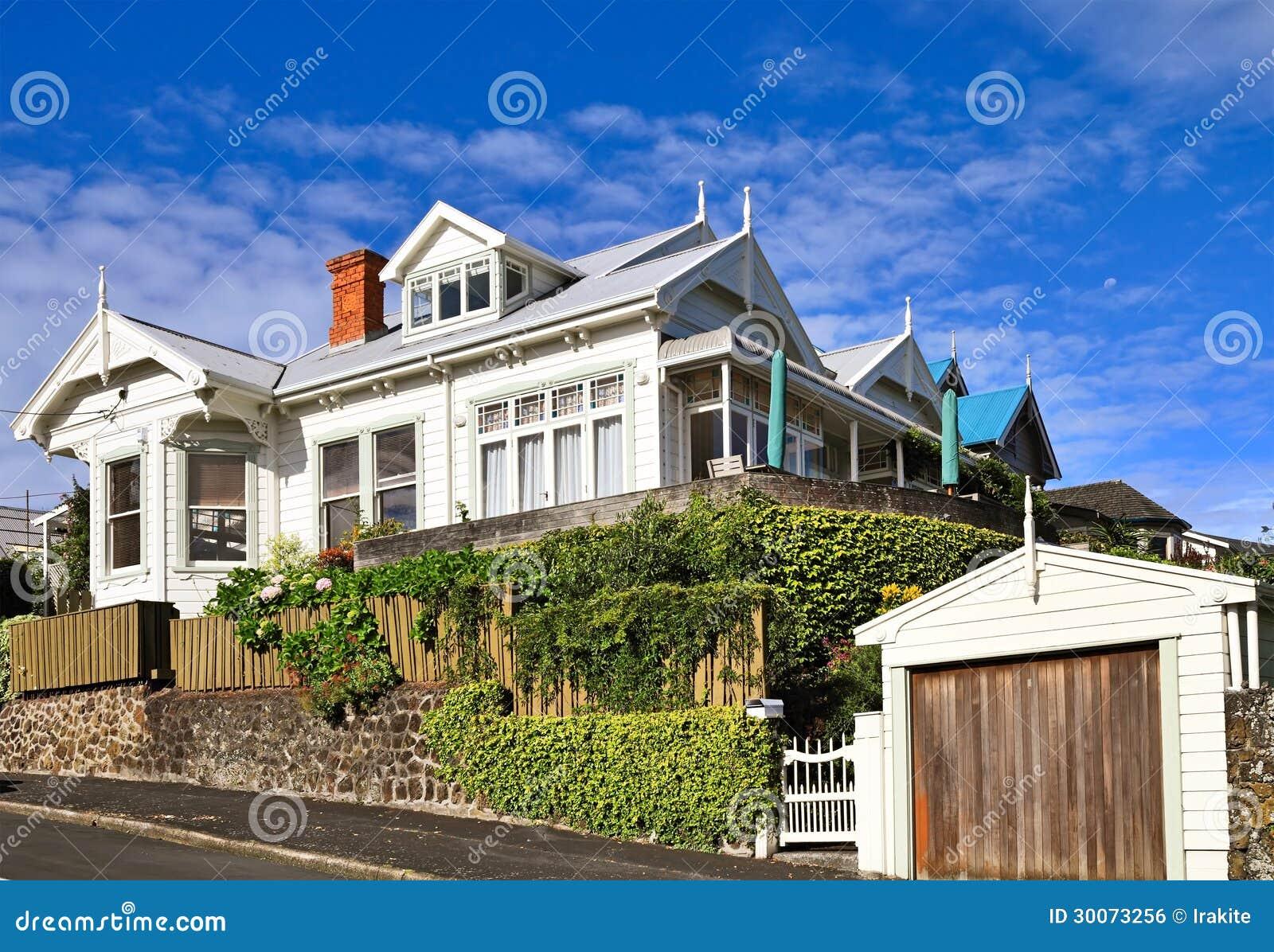 maison victorienne image libre de droits image 30073256. Black Bedroom Furniture Sets. Home Design Ideas