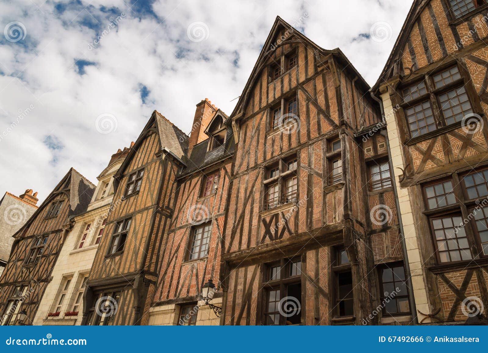 Maisons à colombage pittoresques dans les visites, Frances