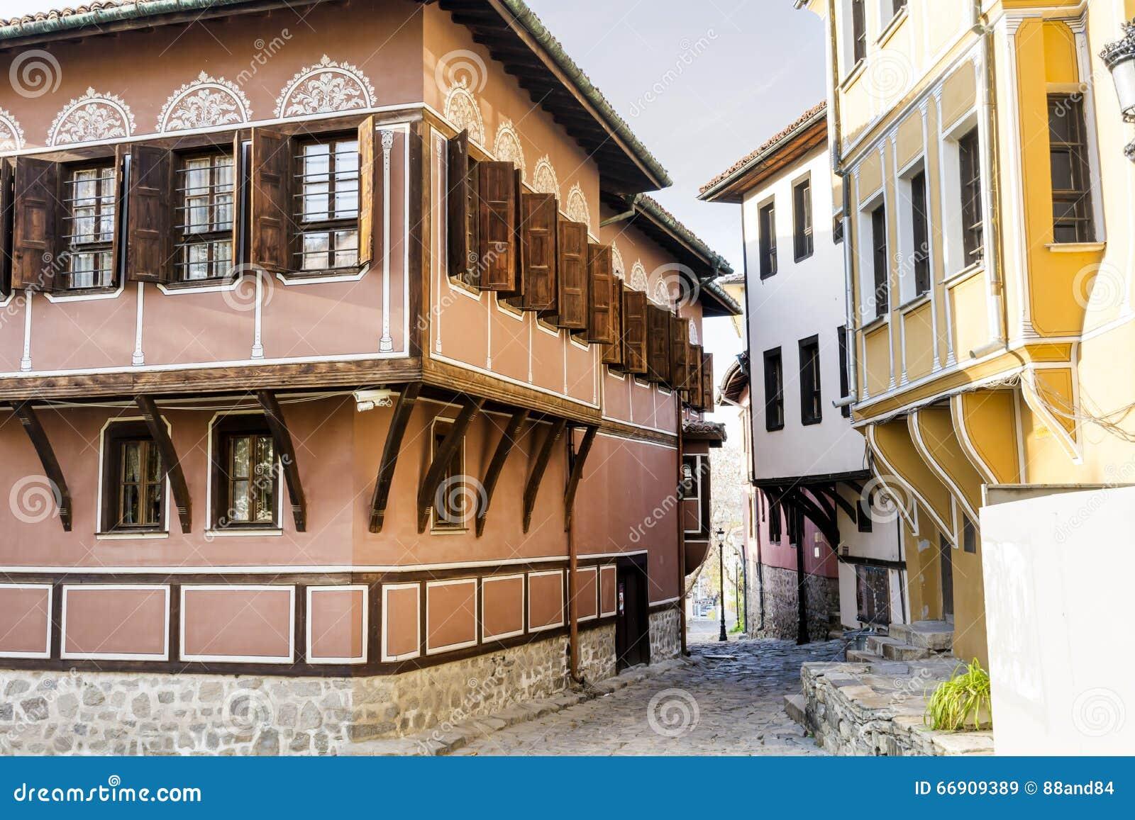 Maisons bulgares traditionnelles dans la vieille ville de - Maison rustique yellowstone traditions ...