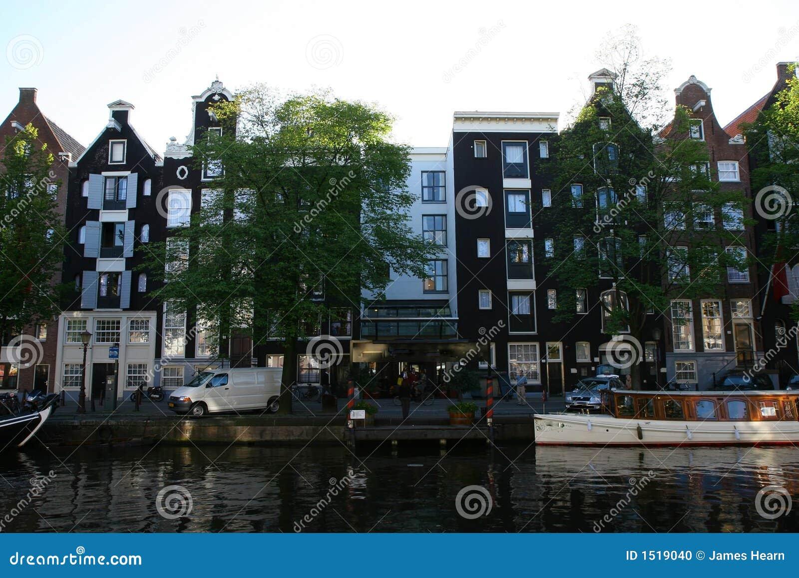 Maisons de canal à Amsterdam