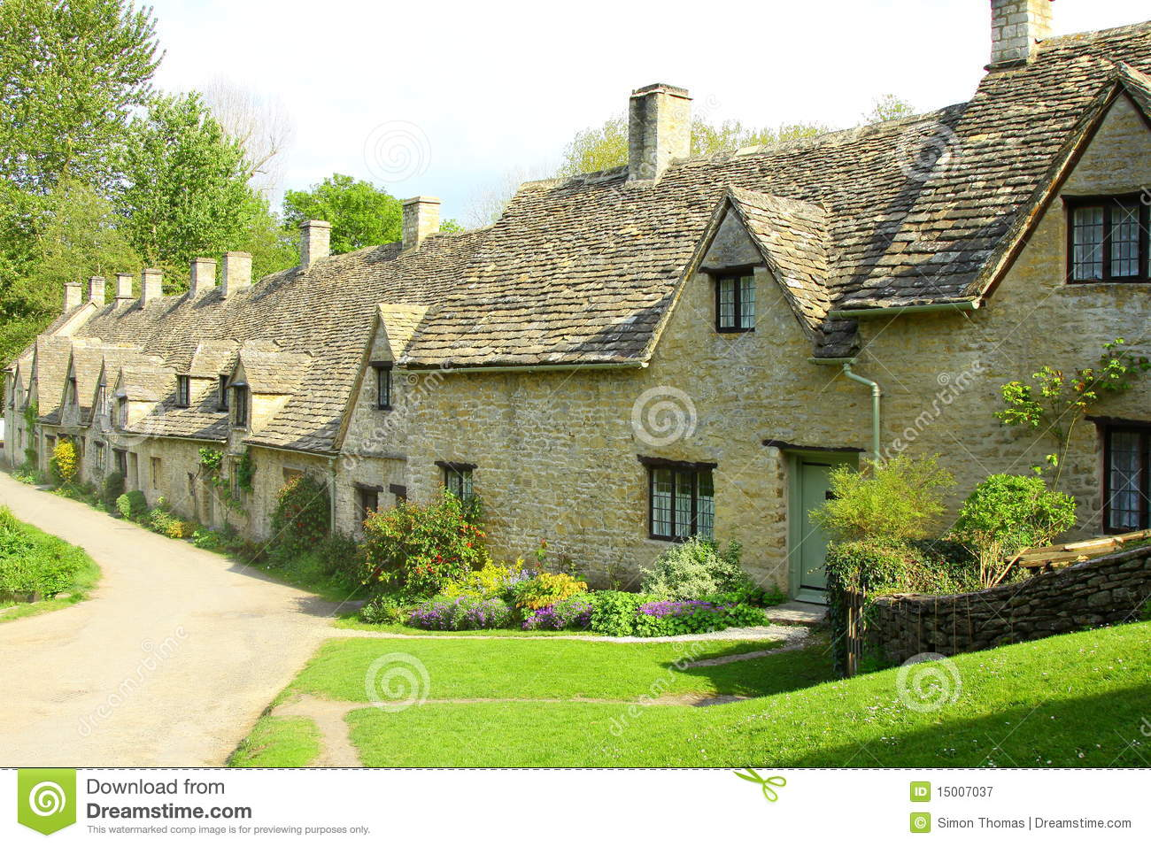 maisons de ligne d 39 arlington bibury cotswolds angleterre photographie stock libre de droits. Black Bedroom Furniture Sets. Home Design Ideas