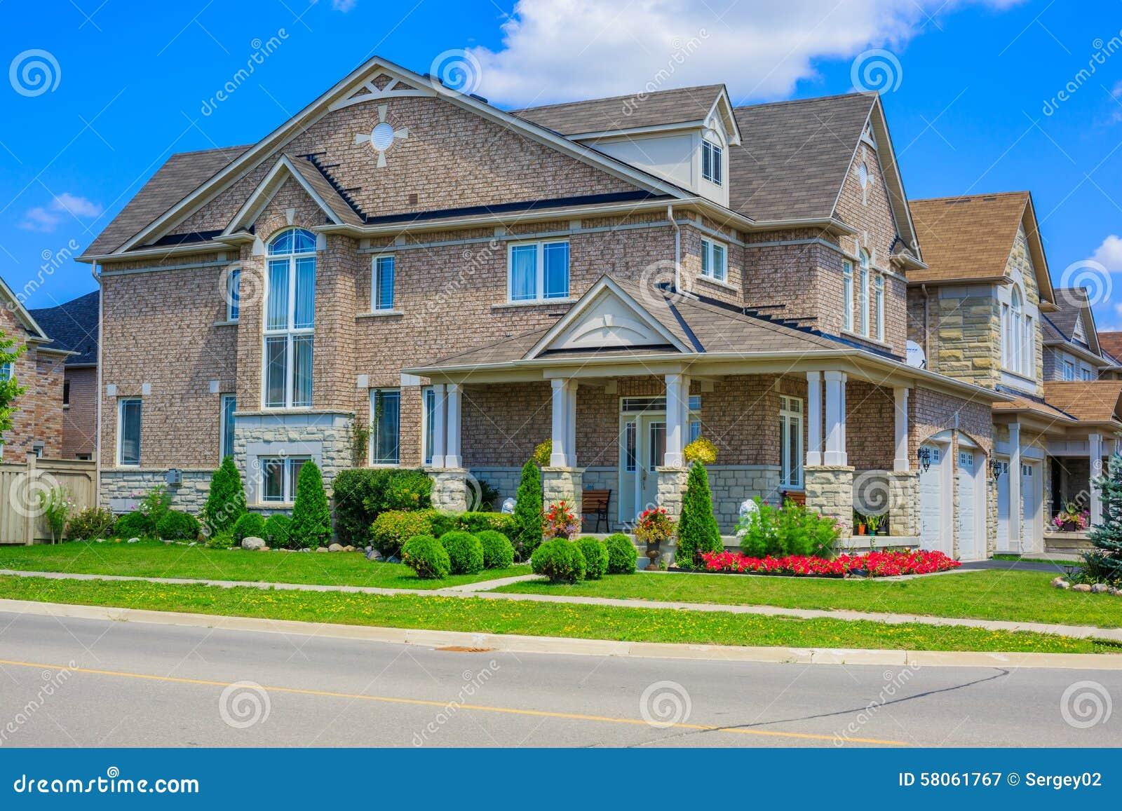 Interieur maison de luxe amerique for Avis maisons du nord