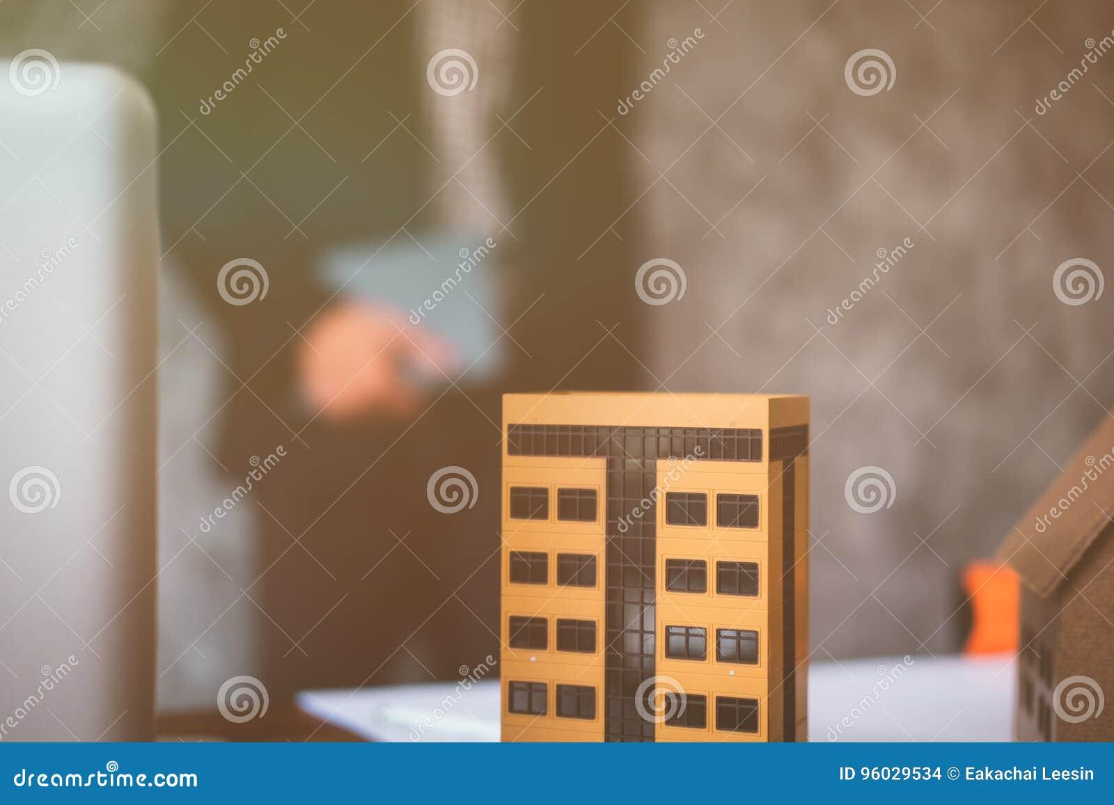 Majątkowy biznes z domami i budynkami dla sprzedaży