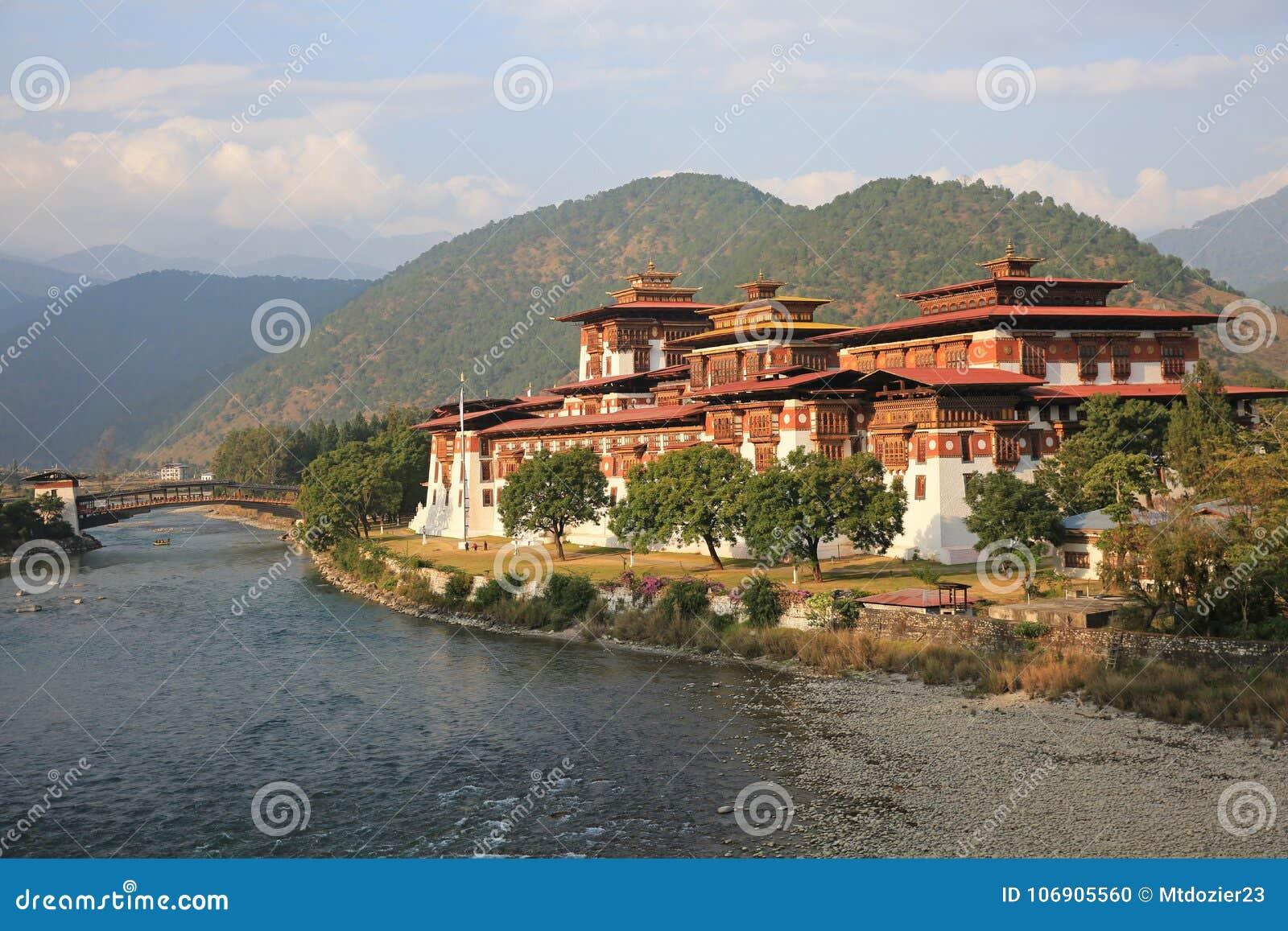 Majestatyczny Punakha Dzong, Bhutan