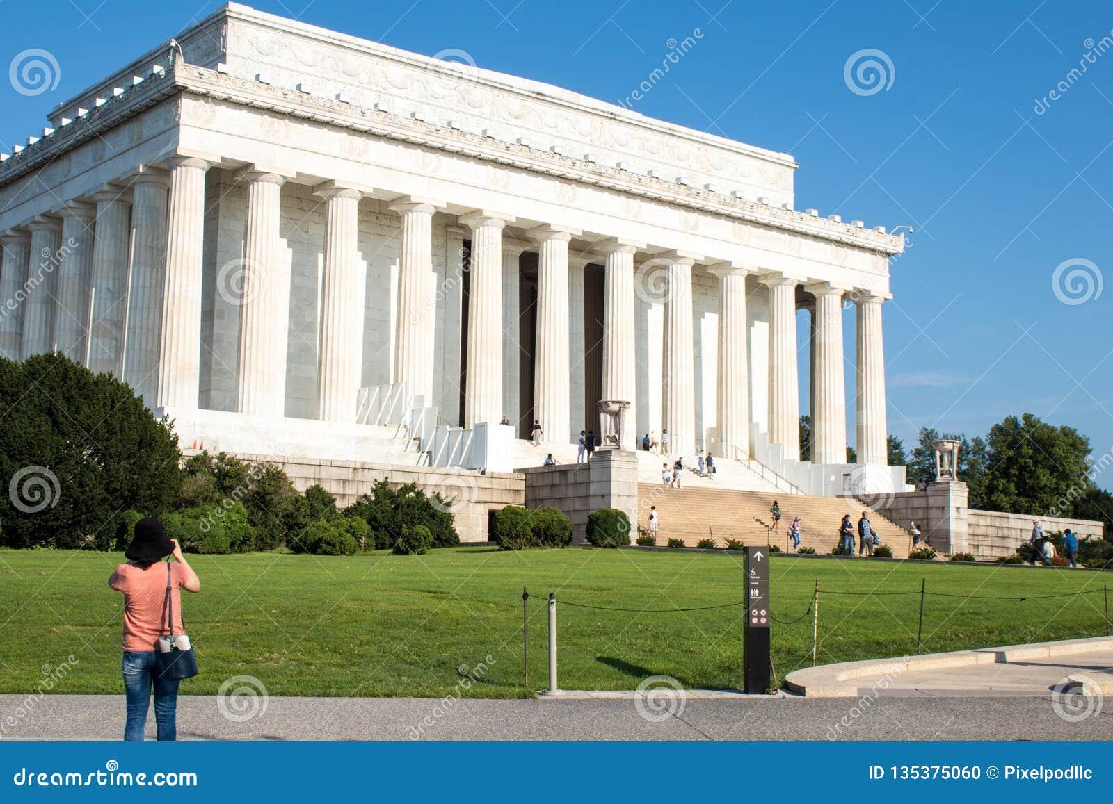 The majestic Lincoln Memorial, Washington D.C,