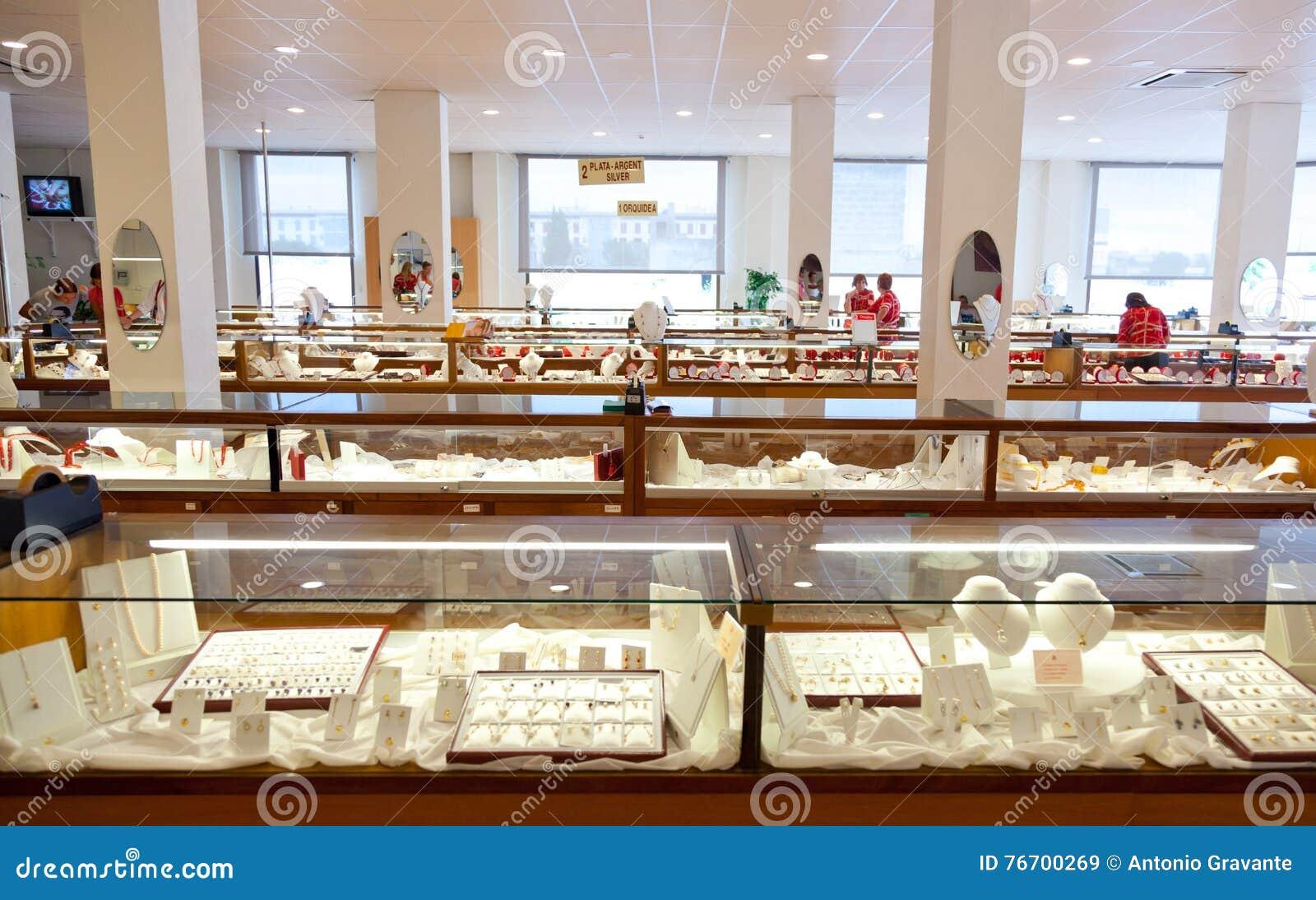 Majorica den Manacor fabriken shoppar