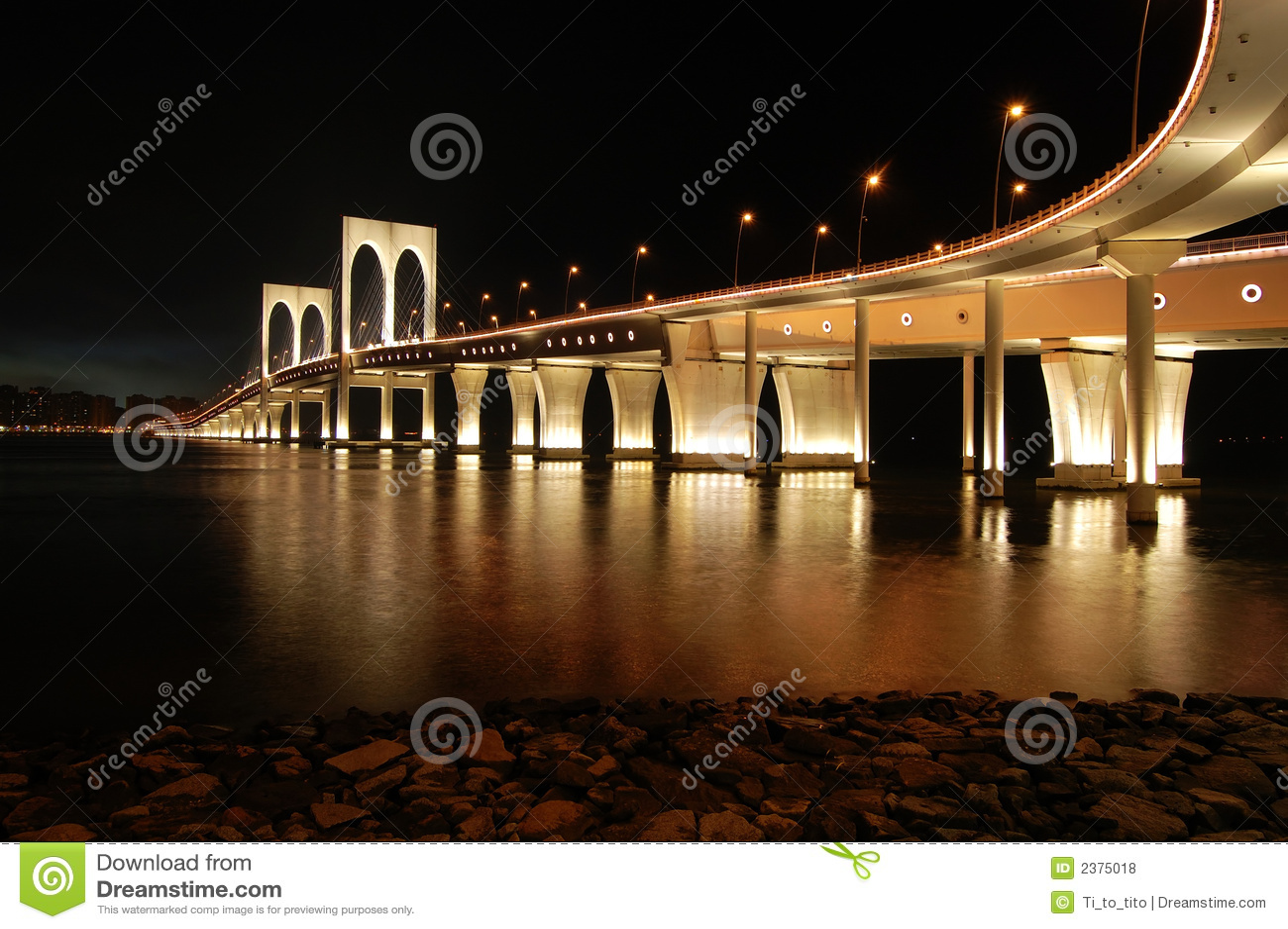 Makao mostu sai van