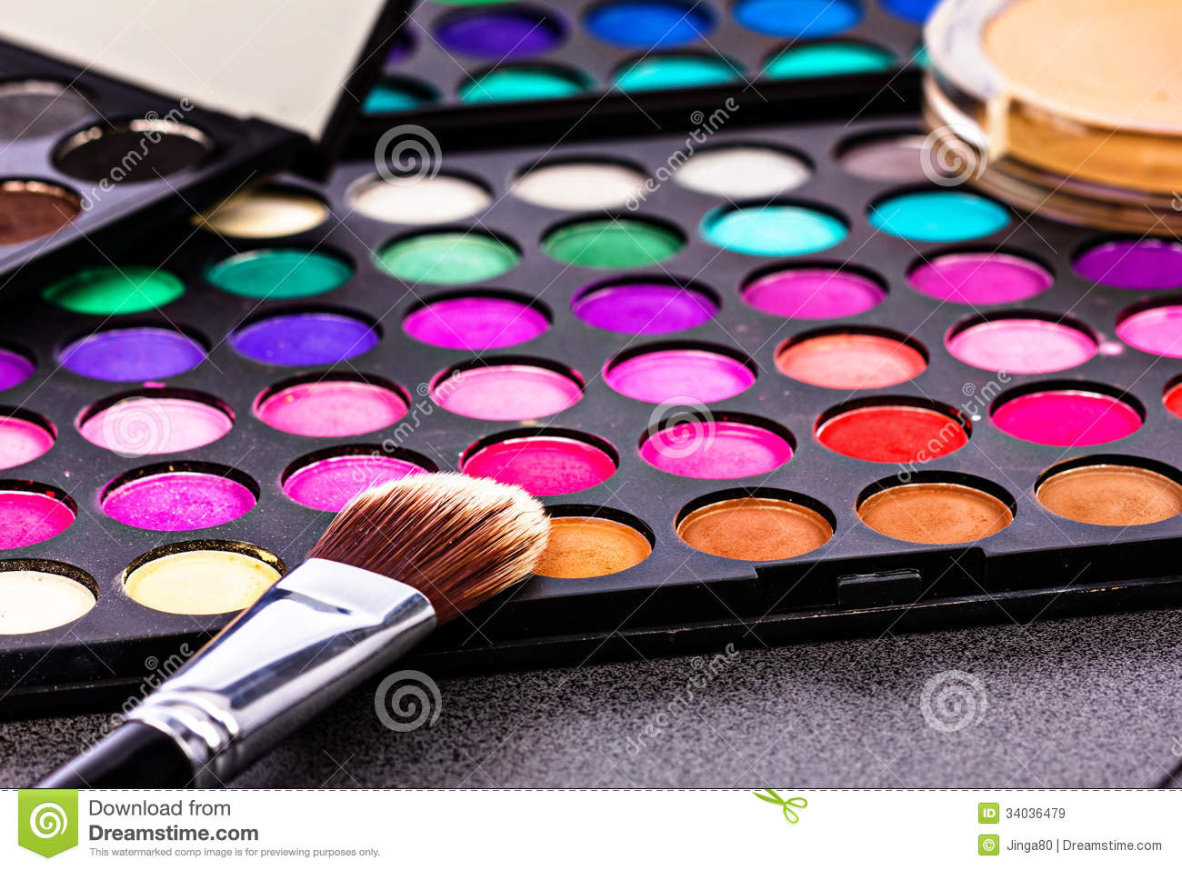Make-up Colorful Eyeshadow Palettes With Makeup Brush Royalty Free ...
