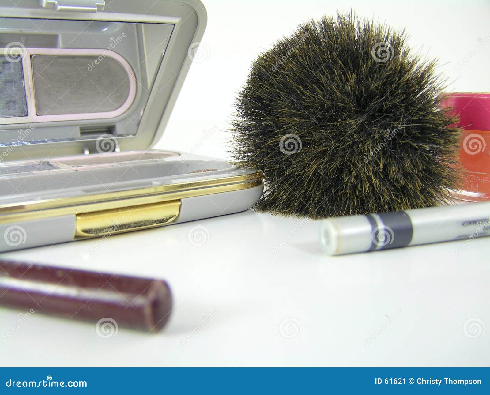 Make-up die op wit wordt geïsoleerds