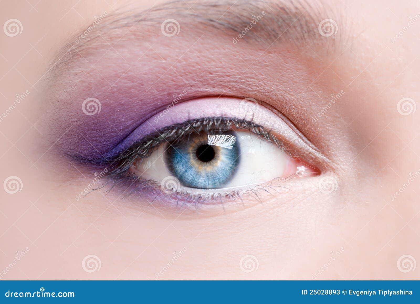 Makeup av ett kvinnligöga