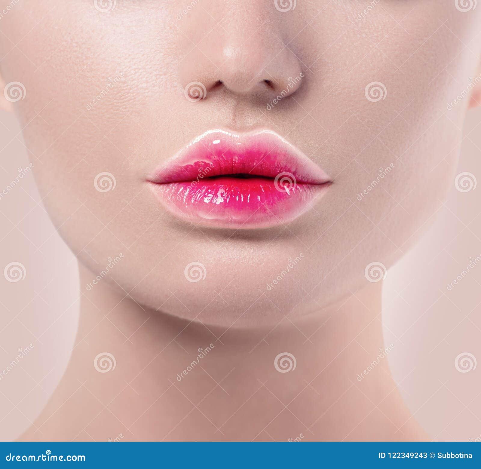 Makeup för kanter för lutningläppstift moderiktig Rosa och vita kanter färgar, den näcka sminkprövkopian Härliga kanter, sexig mu