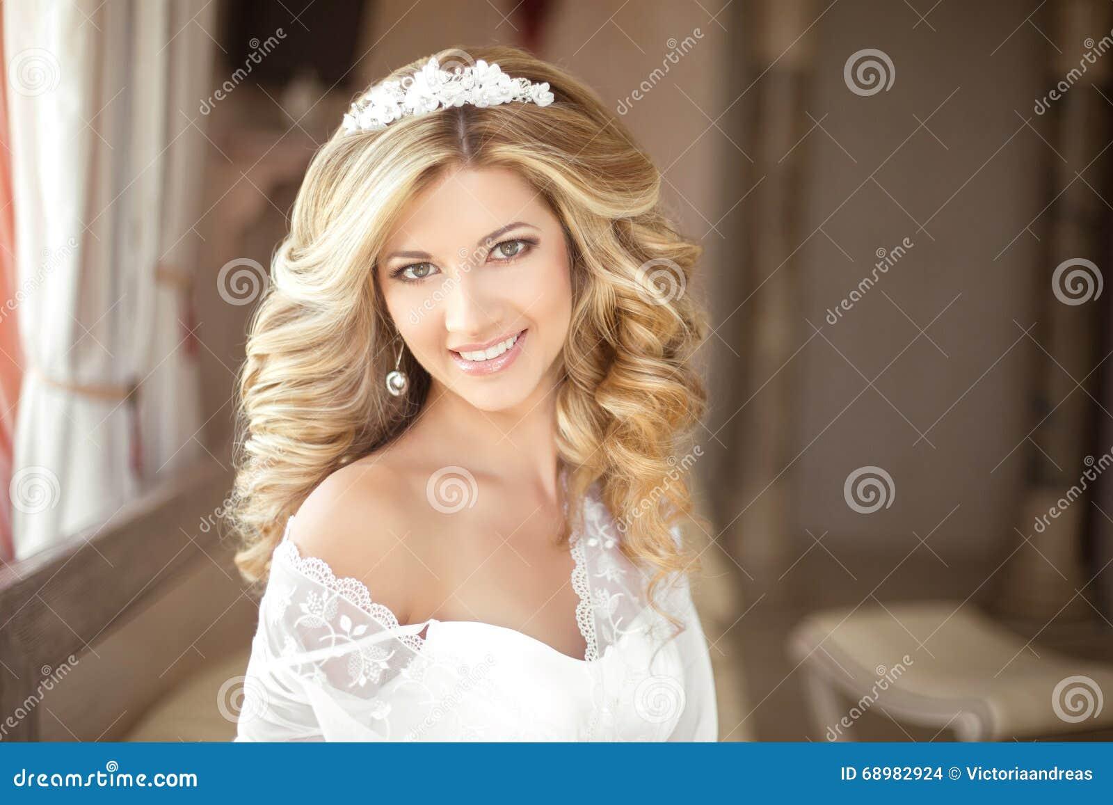 Portret Van Mooie Roodharige Bruid Zij Heeft Een Perfecte