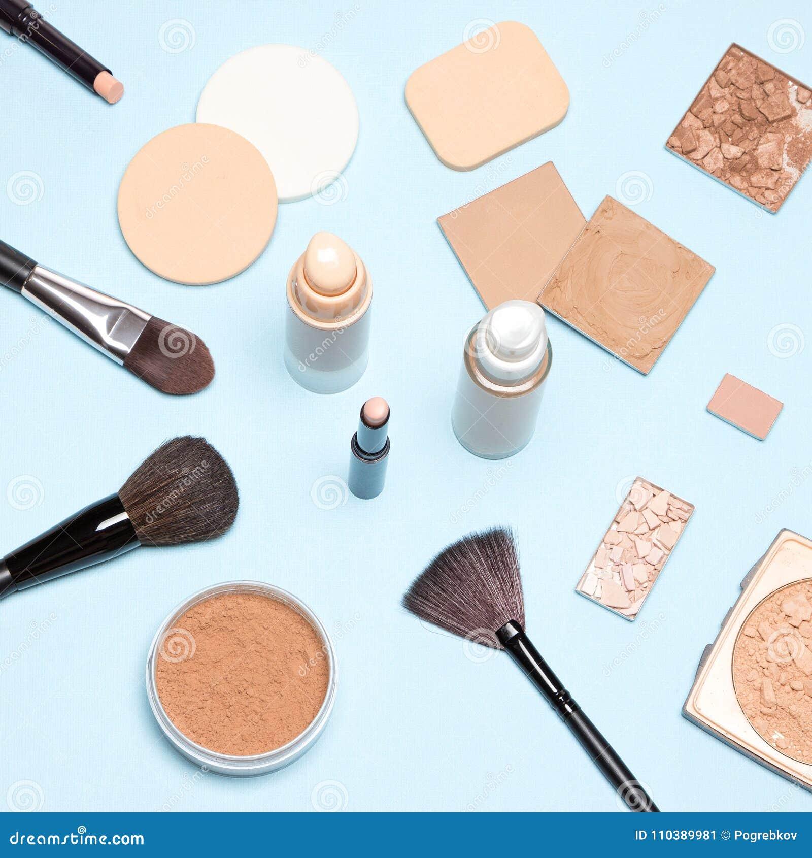 Makeup produkty wyrównywali out skóry brzmienie i cera odgórnego widok