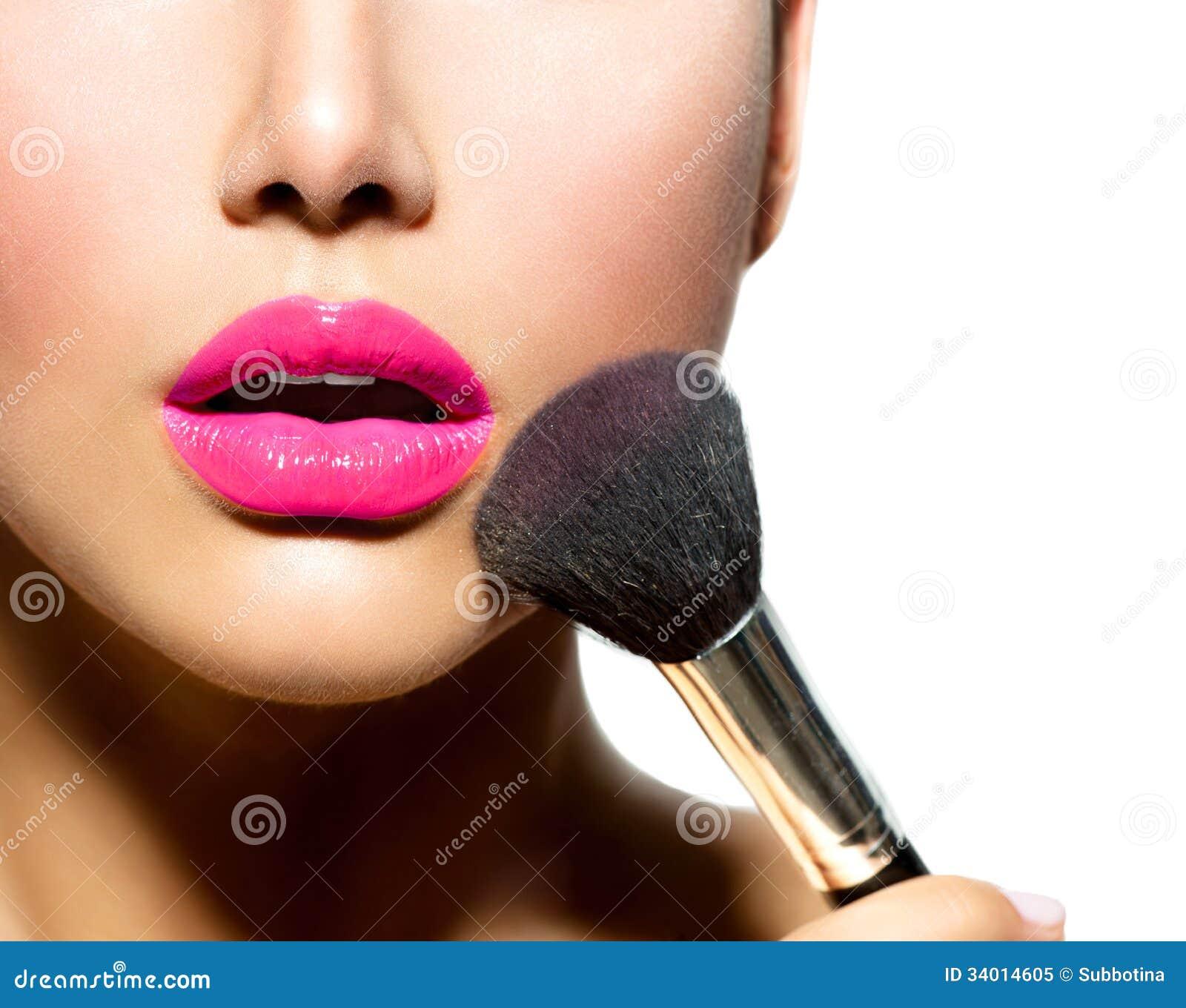 Makijaż Stosuje zbliżenie
