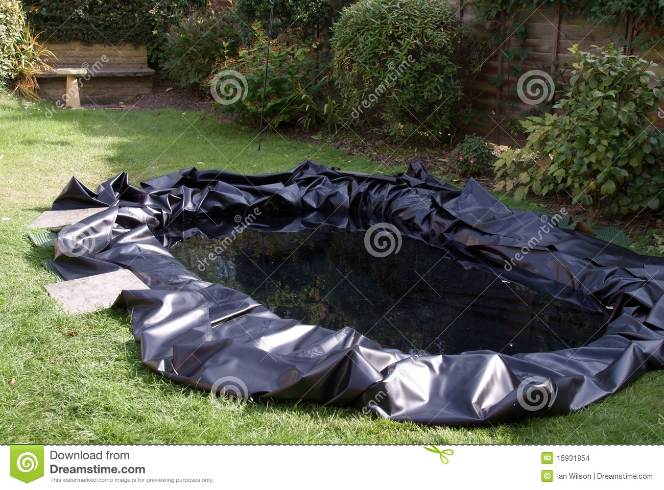 Making A Garden Pond Stock Images Image 15931854