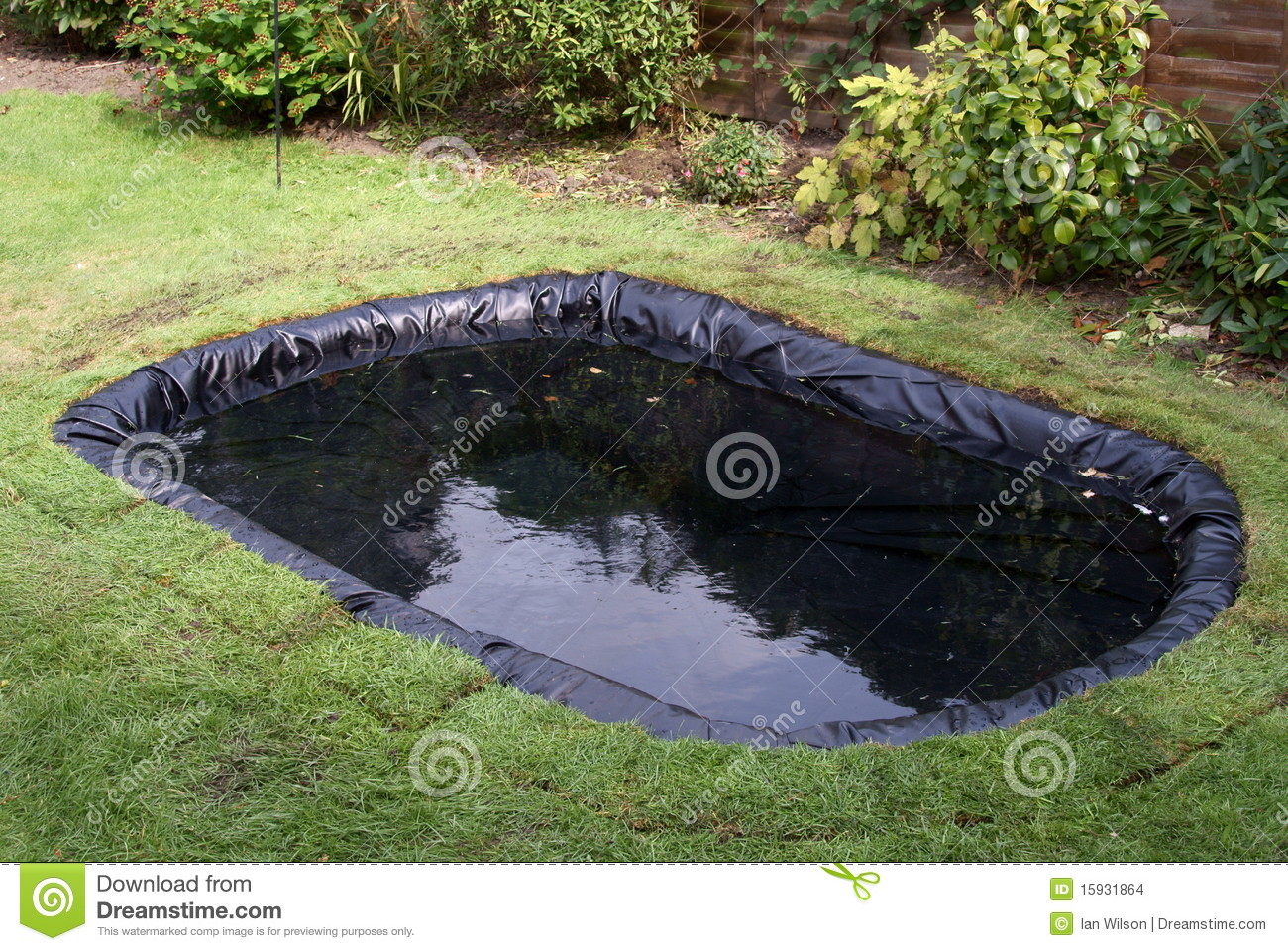 Making A Garden Pond Stock Images Image 15931864