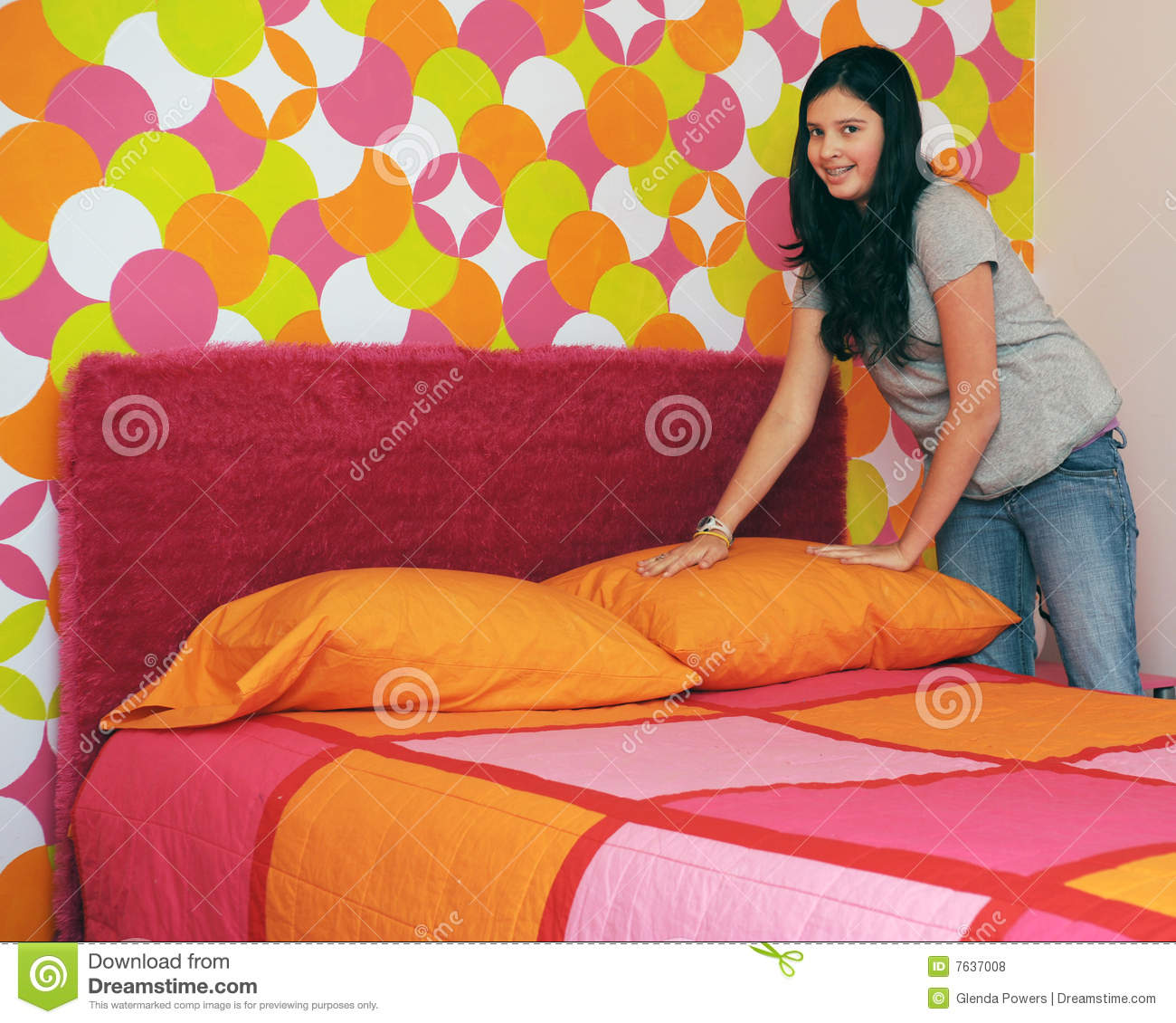 Child Make Bed Clipart