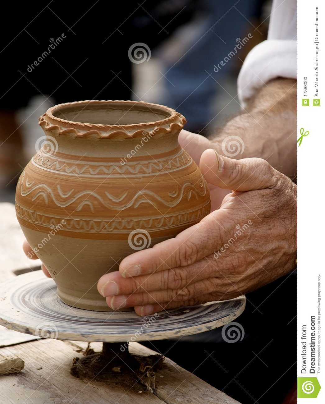 Making traditional pottery stock photo image 17588000 for Ceramica fabricacion